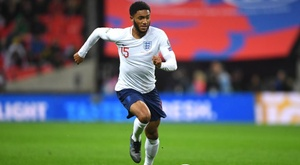 Sterling: England fans were wrong to boo Gomez. GOAL