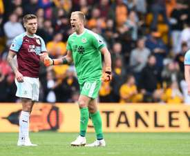 Hart is keen for Burnley to re-find last season's form. GOAL