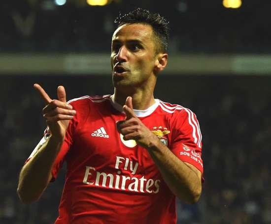 Jonas marcou de pênalti e garantiu a vitória do Benfica. Goal