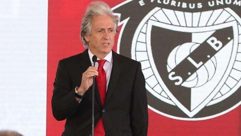 Champions dura 90min para Benfica de Jesus