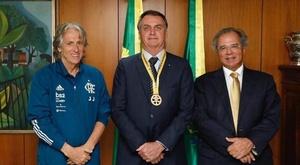 Jorge Jesus com Bolsonaro - torcida se divide. GOAL