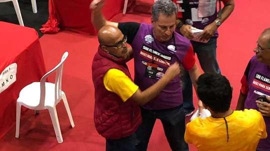 Nova gestão do Flamengo nem assumiu e já enfrenta pressão grande da torcida.