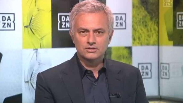 """""""É uma história linda"""" – Mourinho elogia Corinthians no DAZN"""
