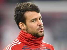 PSG contrata lateral do Bayern e reserva para Cavani; Trapp volta para a Alemanha