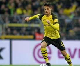 Julian Weigl told he must stay at Dortmund. GOAL