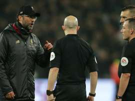 Jurgen Klopp questioned the integrity of referee Kevin Friend. GOAL