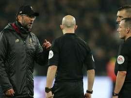 Jurgen Klopp questioned the integrity of referee Kevin Friend. GOAL