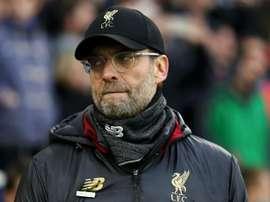 Falta de alternativa faz Klopp repensar postura do Liverpool na janela de transferências