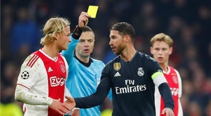 Ramos torna sul giallo contro l'Ajax. Goal