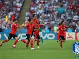 Coreia do Sul pede aplausos em retorno para casa. Goal