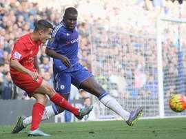 Kurt Zouma, le joueur du Chelsea, dans un match de Premier League contre Liverpool. AFP