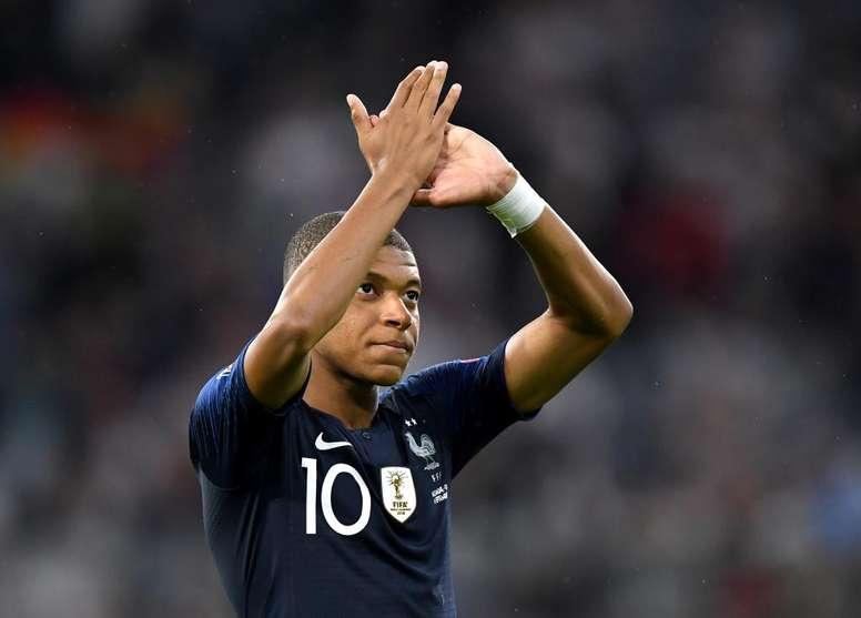 Mbappé diz que vai torcer pelo Lyon contra o Barça. Goal