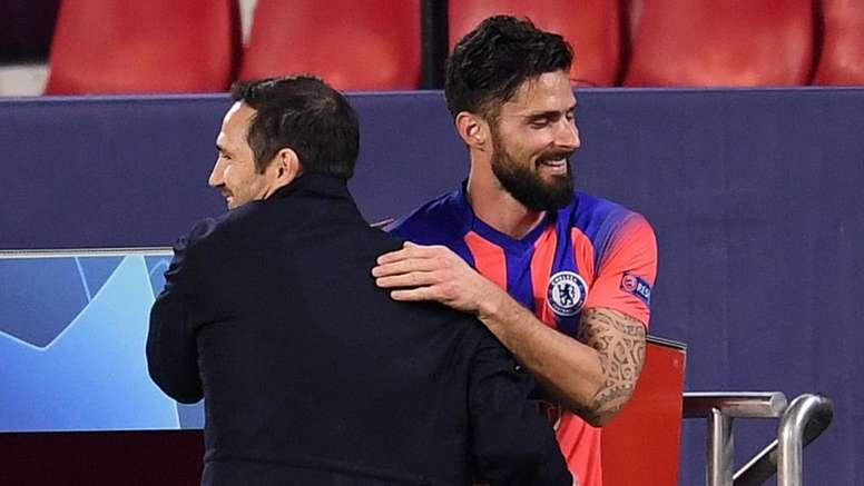 Après son quadruplé, l'exemplaire Giroud félicité par Lampard. Goal