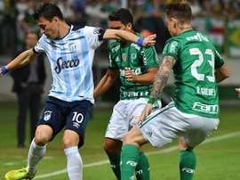 Leandro Gonzalez Roger Guedes Jean Palmeiras Atletico Tucuman Libertadores 24052017