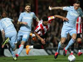Leeds salvage draw despite another Casilla error