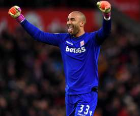 Lee Grant wishes to stay. Goal