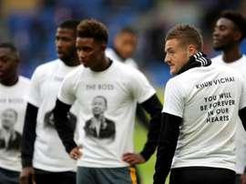 Il Leicester ricorda il presidente. Goal