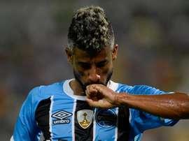 Leo Moura Gremio. Goal