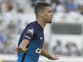O jovem zagueiro corintiano: Léo Santos. Goal