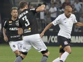 Leo Valencia Roger Corinthians Botafogo Brasileirao Serie A 18072018