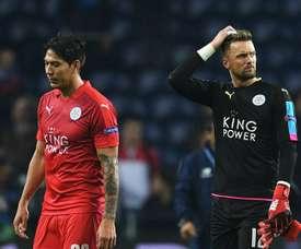 Leonardo Ulloa Ben Hamer Leicester City 07122016