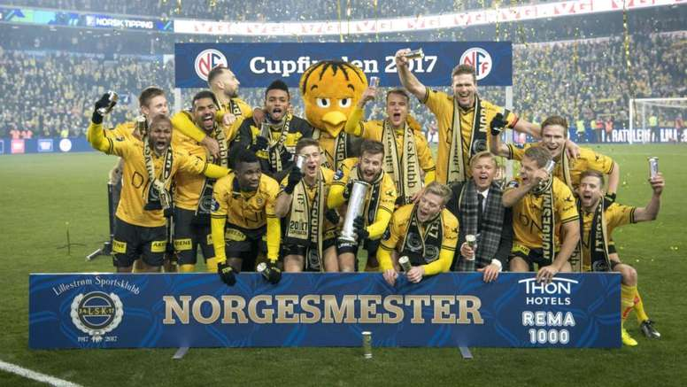 Andreassen does not regret stripping and using the King's Cup to protect his modesty. GOAL