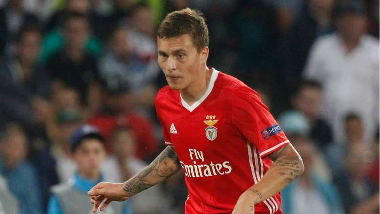 Lindelof's agent says that clubs have bid for the player. Goal