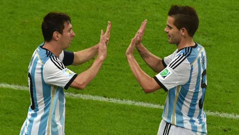 Selecionador conta com os seus dois futebolistas. Goal
