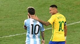 Edílson se diz melhor que Neymar e Messi por ter Copa, mas fez quantos jogos em 2002? Goal