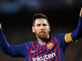 Vidal sings praises of 'spectacular' Messi. Goal