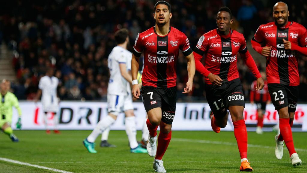 Kombouaré tacle les supporters — EA Guingamp