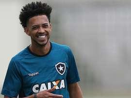 Luis Ricardo treino Botafogo 26 06 2017