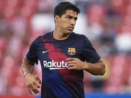 Barcelona opener sees Suarez injured. GOAL