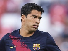 Suarez worried by Barcelona defeat at Granada.