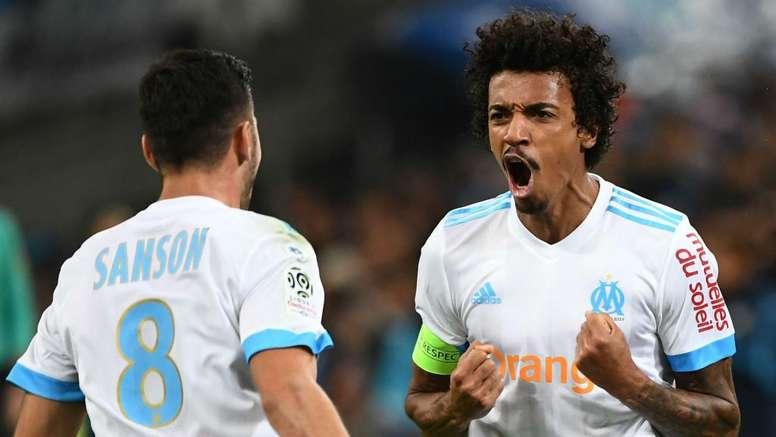 Luiz Gustavo espera conquistar a Liga Europa. Goal