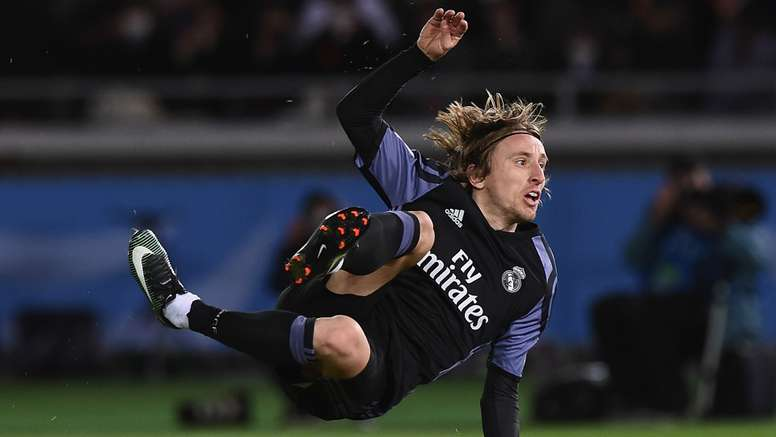 Luka Modric doesn't like the new technolgies neither. Goal
