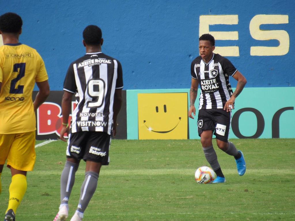 Camisa Botafogo campeão da Taça Guanabara 2015 </p>                     </div>   <!--bof Product URL --> <!--eof Product URL --> <!--bof Quantity Discounts table --> <!--eof Quantity Discounts table --> </div>                        </dd> <dt class=