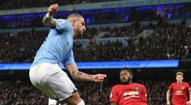 United détruit les derniers rêves de titre de City. Goal