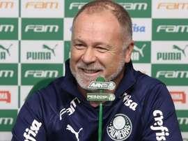 Palmeiras de Mano se especializa no resultado mesmo sem brilho. Goal