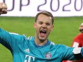 Maier espère voir Neuer dépasser les 300 clean sheet. GOAL
