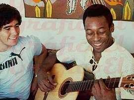 Pelé faz nova homenagem a Maradona. EFE