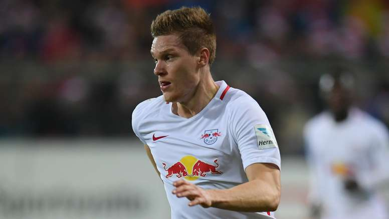Marcel Halstenberg is playing for Leipzig. Goal