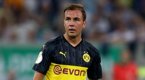 Gotze could play in Dortmund's cup clash despite forearm fracture