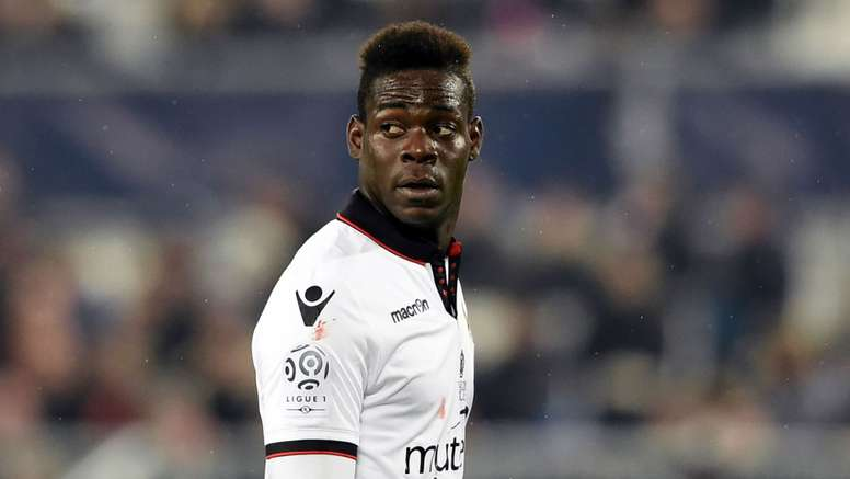 Mario Balotelli was sent off for Nice. Goal