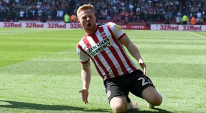 Mark Duffy gave Sheffield United a 2-0 victory to guide them closer to promotion. GOAL
