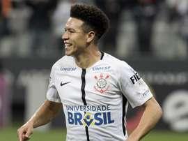 Meia afirma que a vitória frente ao 'Peixe' é crucial para o Corinthians. Goal