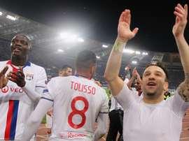 Mathieu Valbuena salutes the Lyon faithful. AFP