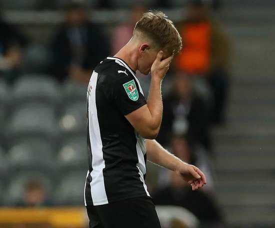 Newcastle United's Ritchie sidelined for two months after 'horror challenge'. GOAL