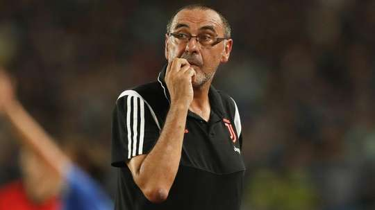 Juve, Sarri non dirige l'allenamento: 'Polmonite'