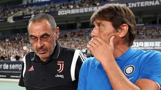 Conte (R) can take advantage of Juve's transfer issues since Ronaldo's arrival. GOAL